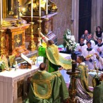 Pontifical-Mass-at-the-Altar-of-the-Chair-of-St.-Peters-620x320