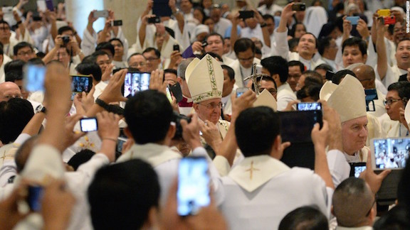Pope Francis In a Sea of Cell Phones Phillipines